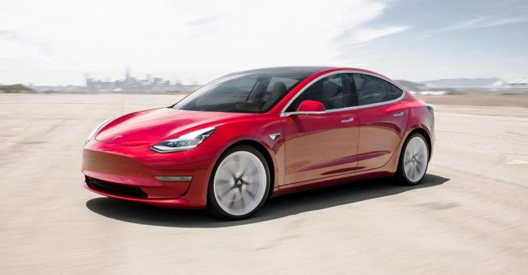 Tesla ultrapassa GM como montadora mais valiosa dos EUA
