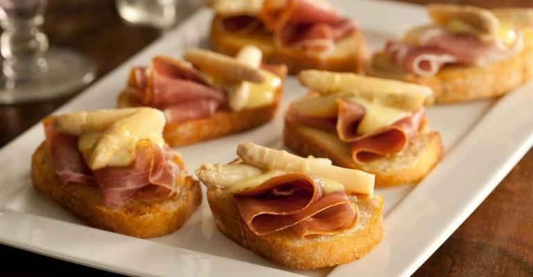 Crostini de Aspargos, Presunto de Parma e Maionese