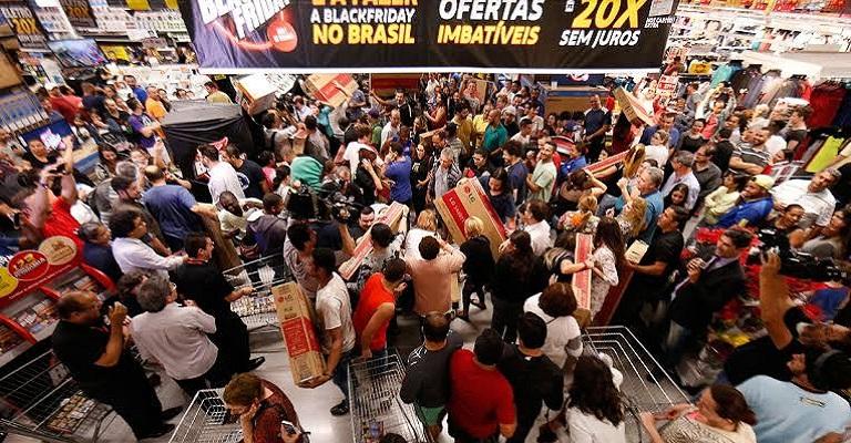 Empreendedores esperam que Black Friday e Natal favoreçam retomada econômica