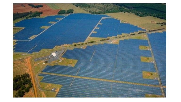 Taxar o sol ou subsidiar grupos de interesse?