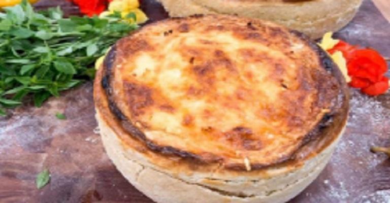 Torta, pizza, lasanha ou tudo junto e misturado?