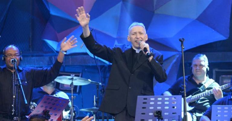 'Jesus te deu uma mãe' é o novo single de Padre Marcelo Rossi