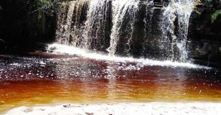 Parque Estadual do Ibitipoca ganha trilha sustentável com três novas atrações