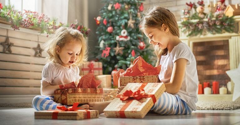 Cuidados na hora de presentear os filhos neste Natal