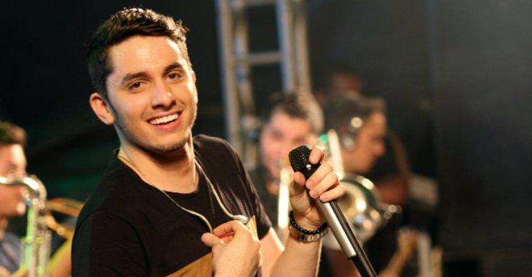 Jonas Esticado lança single 'Investe em mim'