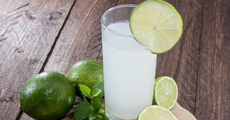 A dieta do limão provoca erosão dentária e aumento de cáries entre as mulheres