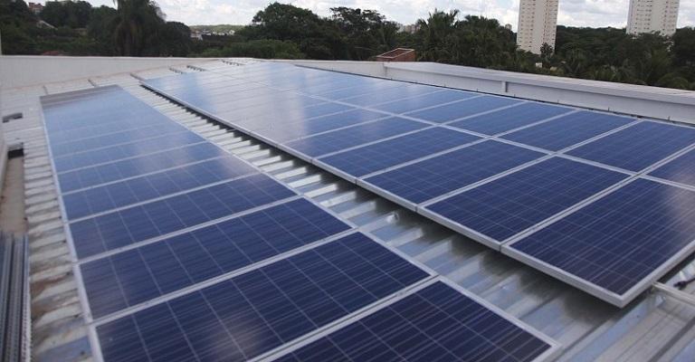 Energia solar gera três vezes mais benefícios do que custos aos brasileiros