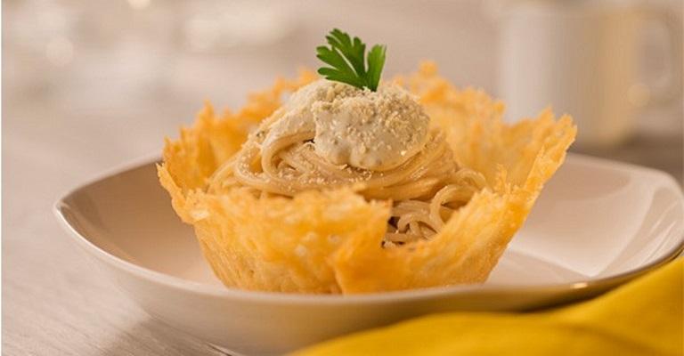 Celebre o Dia do Queijo preparando o Espaguete ao Formaggio