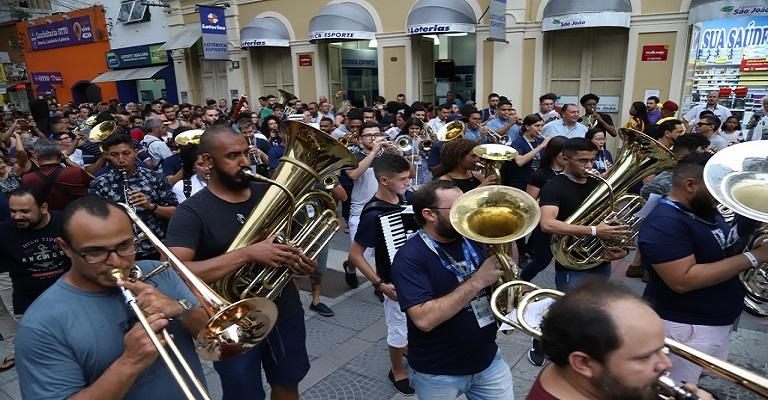 Integrantes da Orquestra Jovem Sesc Minas Gerais participam do 10º Festival Internacional Sesc de Música