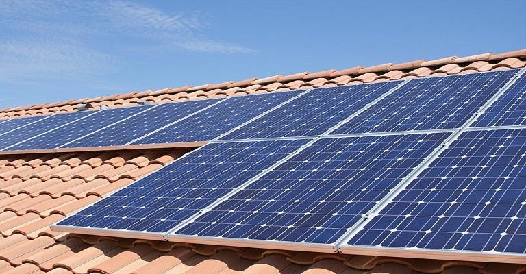 Energia solar: quem tem ajuda quem não tem