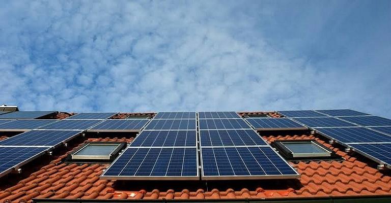 Energia solar vai gerar mais de 120 mil empregos no Brasil em 2020