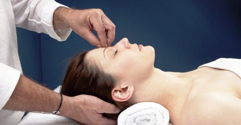 Hipnose é um sistema de cura sem dor para quase todos os problemas