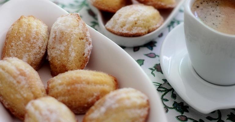 Quer aprender a fazer Madeleine, famoso bolinho francês de limão?