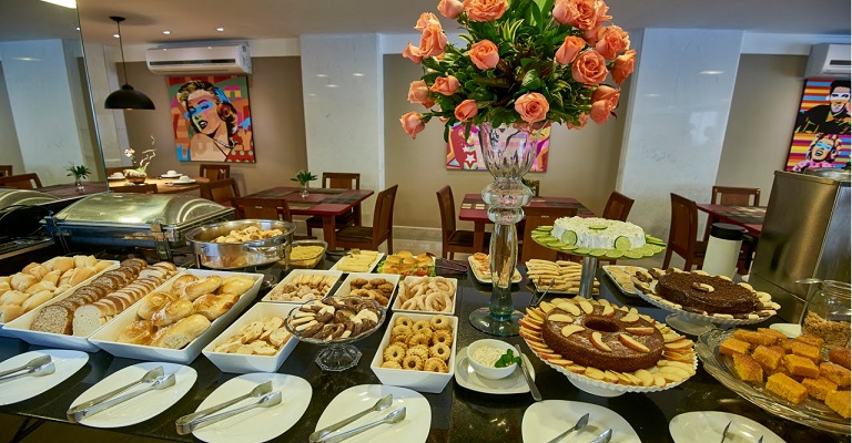 Amipão oferece curso de montagem e gerenciamento de buffet de café colonial