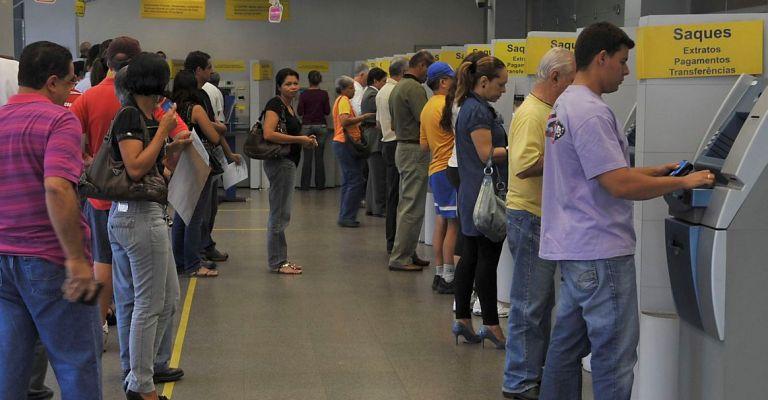 Caixa e Banco do Brasil passam a operar em horário reduzido