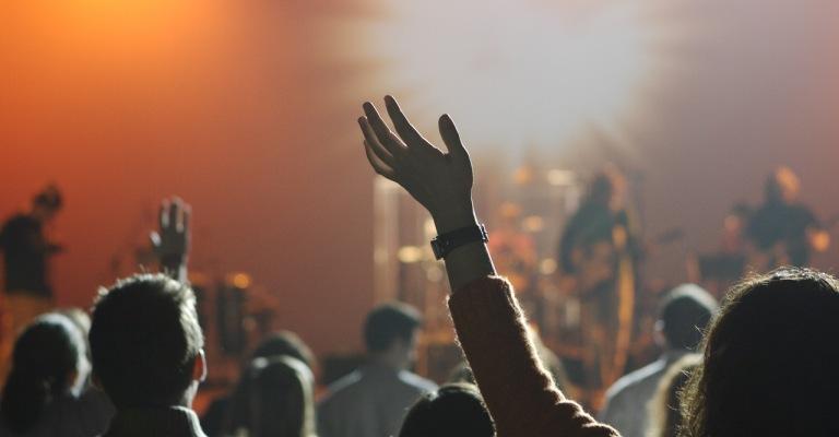 Mais de 22% da população do Brasil se declara evangélica