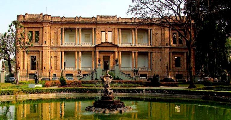 Que tal visitar museus sem sair de casa?