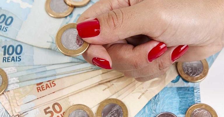 Quando a mulher pode pedir equiparação salarial?