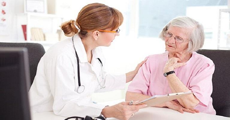 Por que tantas idosas têm infecção urinária recorrente?