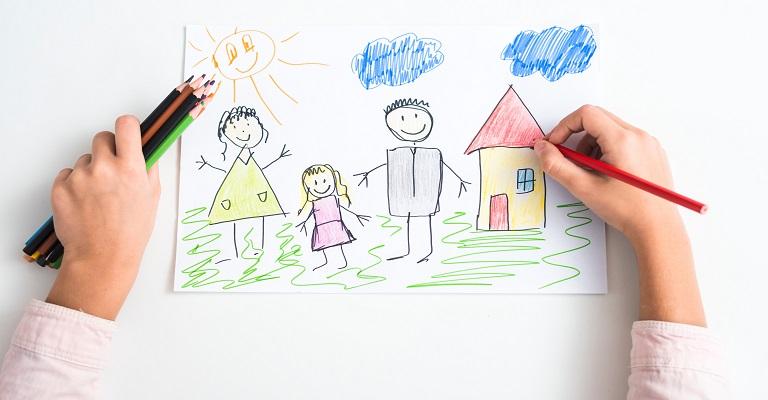 Brincadeiras pedagógicas para entreter as crianças em casa