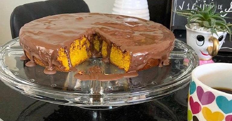 Uma deliciosa receita do bolo de cenoura e da canjica