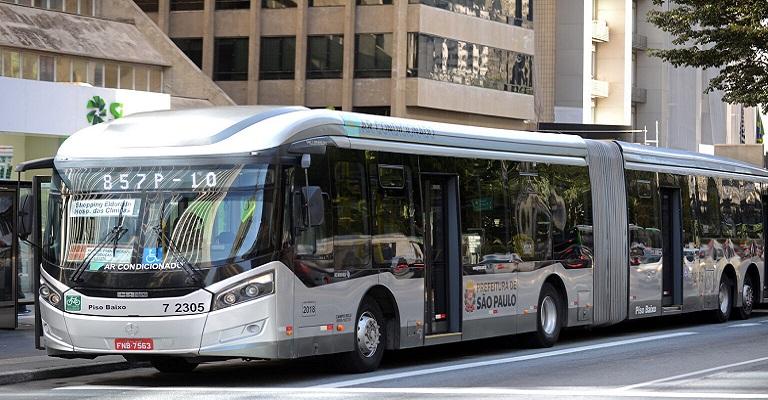 Mercedes-Benz sai em defensa do ônibus como transporte seguro