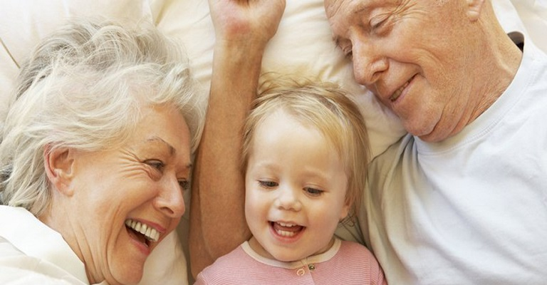 O importante vínculo entre avós e netos