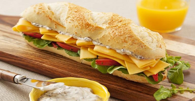Quem tal um lanchinho com queijinho?