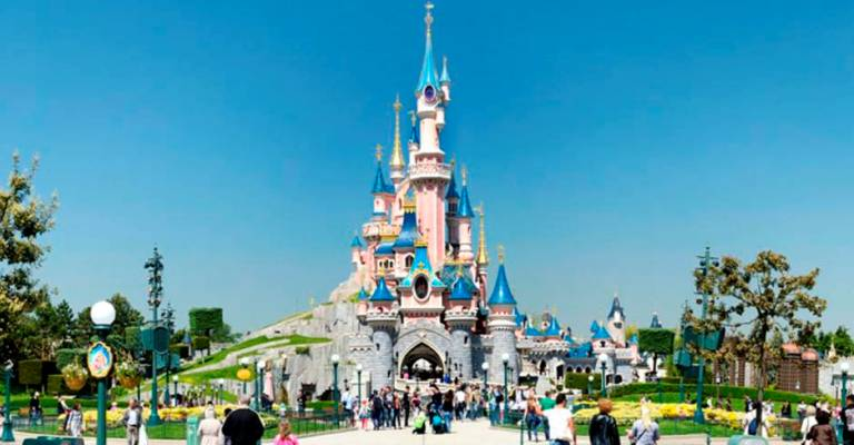 Disney de Paris reabre após ficar fechado por quatro meses
