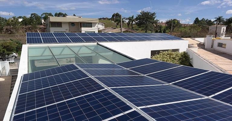 Redução de gastos na pandemia faz geração solar distribuída triplicar no País