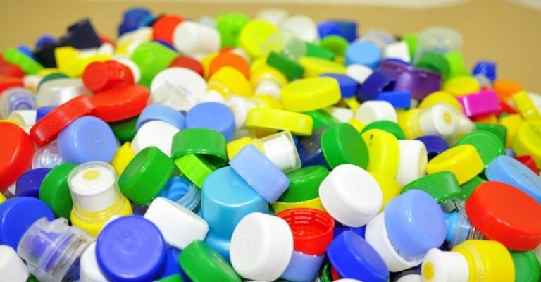 Tampinha Legal ultrapassa 254 milhões de tampinhas plásticas coletadas