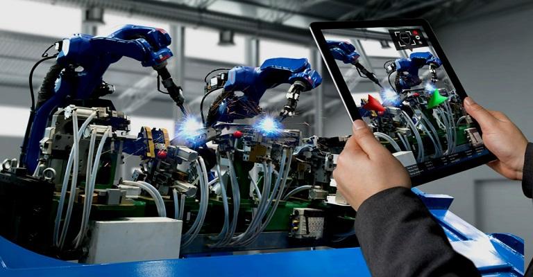 Emprego cresce na indústria em um movimento atípico para dezembro