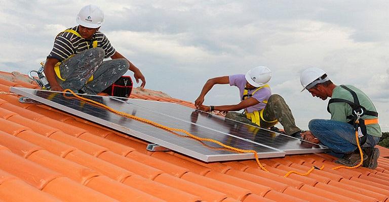 Senado: projeto facilita energia solar para baixa renda