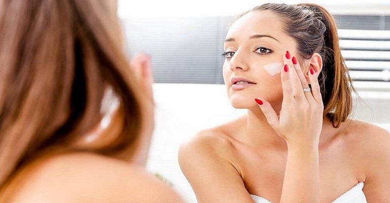 Cuidados com a pele no verão vão além do filtro solar