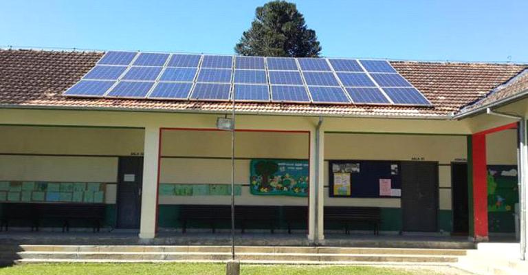 Projeto incentiva energia solar em escolas públicas