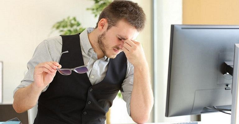 Exposição excessiva a telas podem aumentar sintomas de cansaço na vista