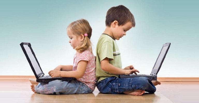 Quando os aparelhos eletrônicos entraram intensamente na rotina das crianças