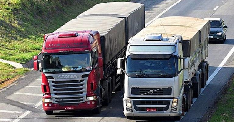 Bolsonaro vai zerar tarifa de importação de pneus para beneficiar caminhoneiros