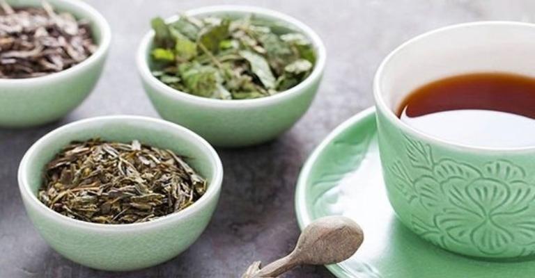 Chá detox após consumo de doces