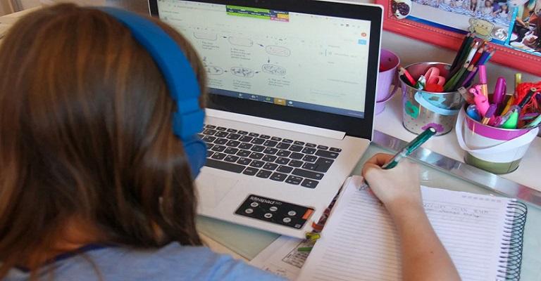 Ensino remoto não é homeschooling
